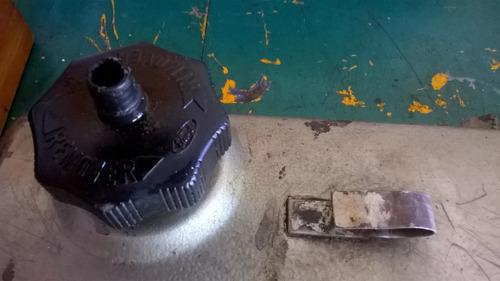 tapa de válvulas gris ford sierra 2.3 con tapon aceite