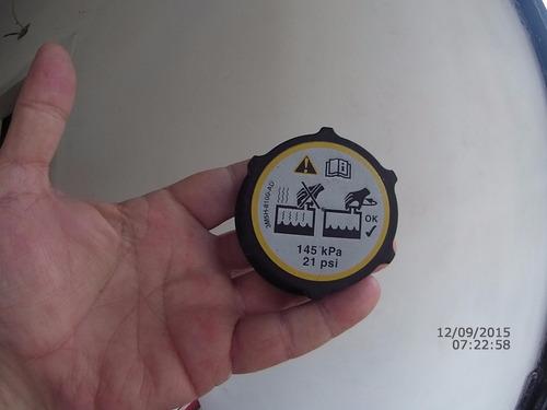 tapa deposito envase refrigerante mazda 3 focus - original