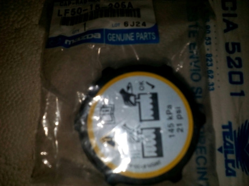 tapa envase de refrigerante mazda 3 original