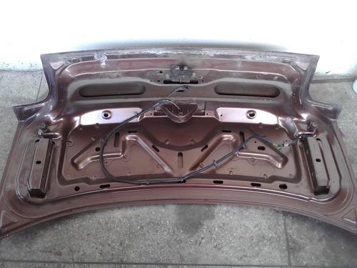 tapa maleta neon 97 98 con cerradura y luz de stop