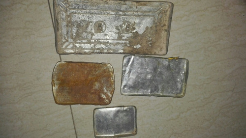 tapas de cajas antiguas de lata