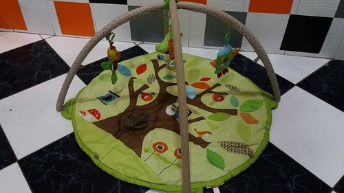 tapete  atividades amigos da árvore - skip hop