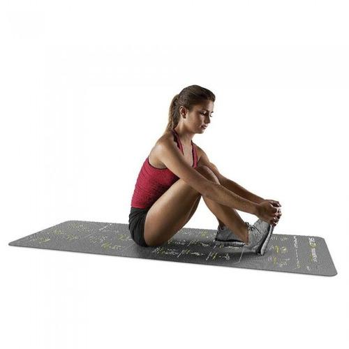 tapete com instruções para treinamento de corrida e caminhad