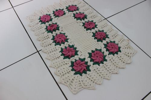 tapete crochê retangular floral centro fechado