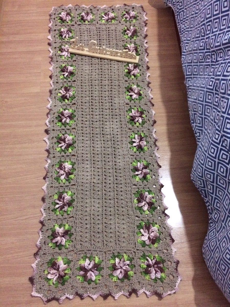 Tapete De Croch Bege E Flores Marrom Mescla R 110 00 Em Mercado