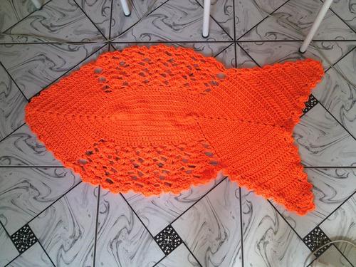tapete formato de peixe laranja