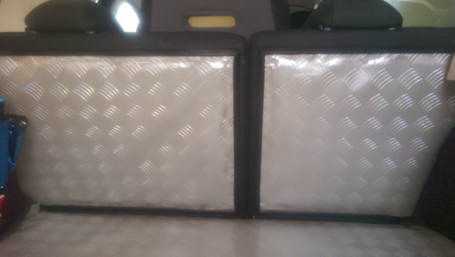 tapete vinílico automotivo imita piso xadrez ônibus 1 x 1,40