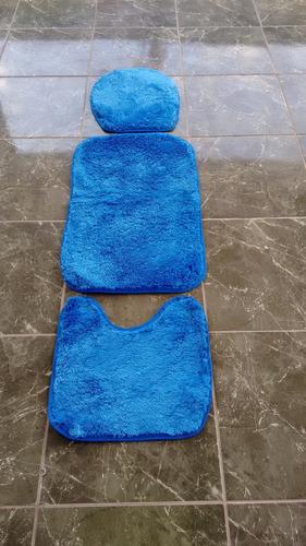 tapetes para banheiros em varias cores