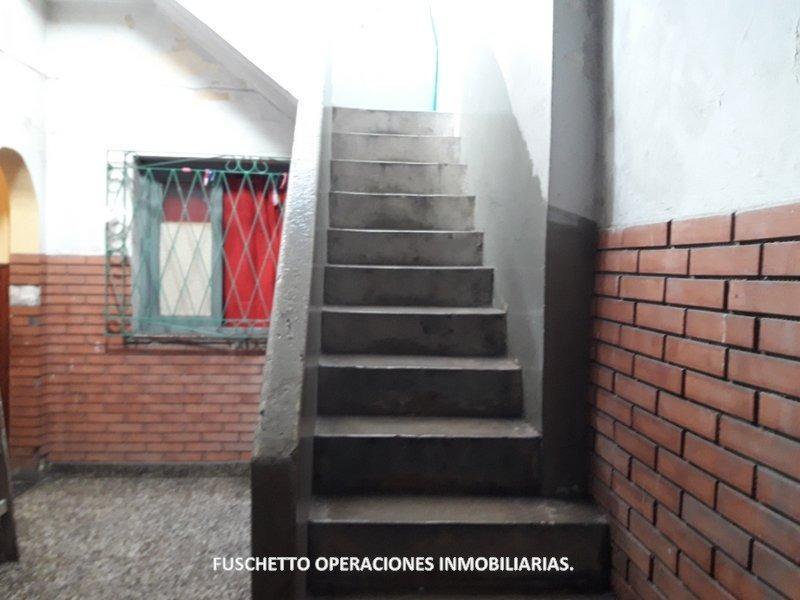 tapiales. importante inmueble comercial en venta  (cod. 877)