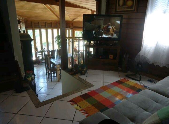 taquara-casa duplex-4 suítes,fundos com lazer.cond. fechado