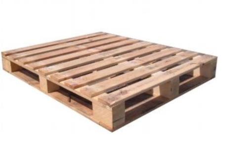 tarima de cubo (madera)