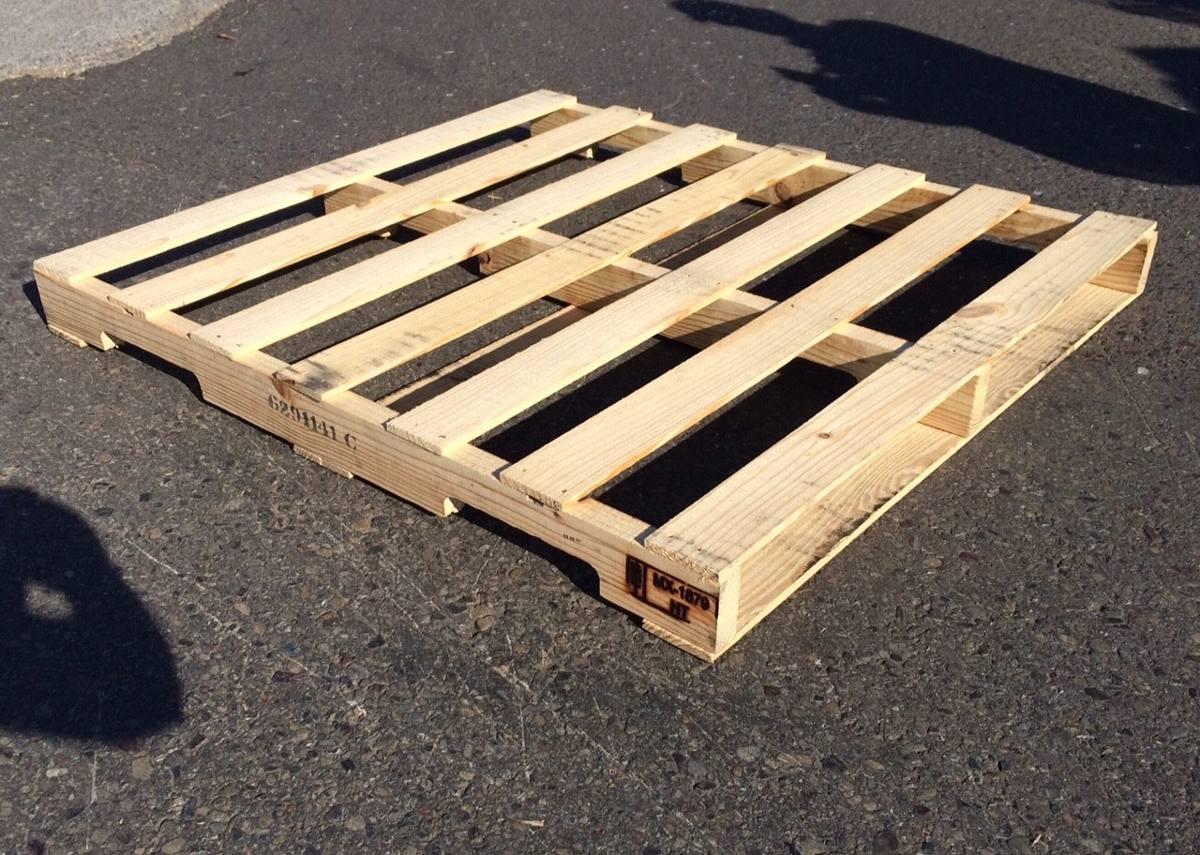 Tarima de madera para montacarga o muebles y dise os for Tarimas de madera para muebles