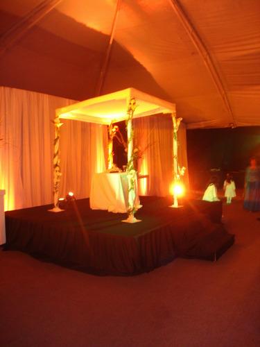 tarimas de escenario - sonido - iluminacion - pantallas - dj