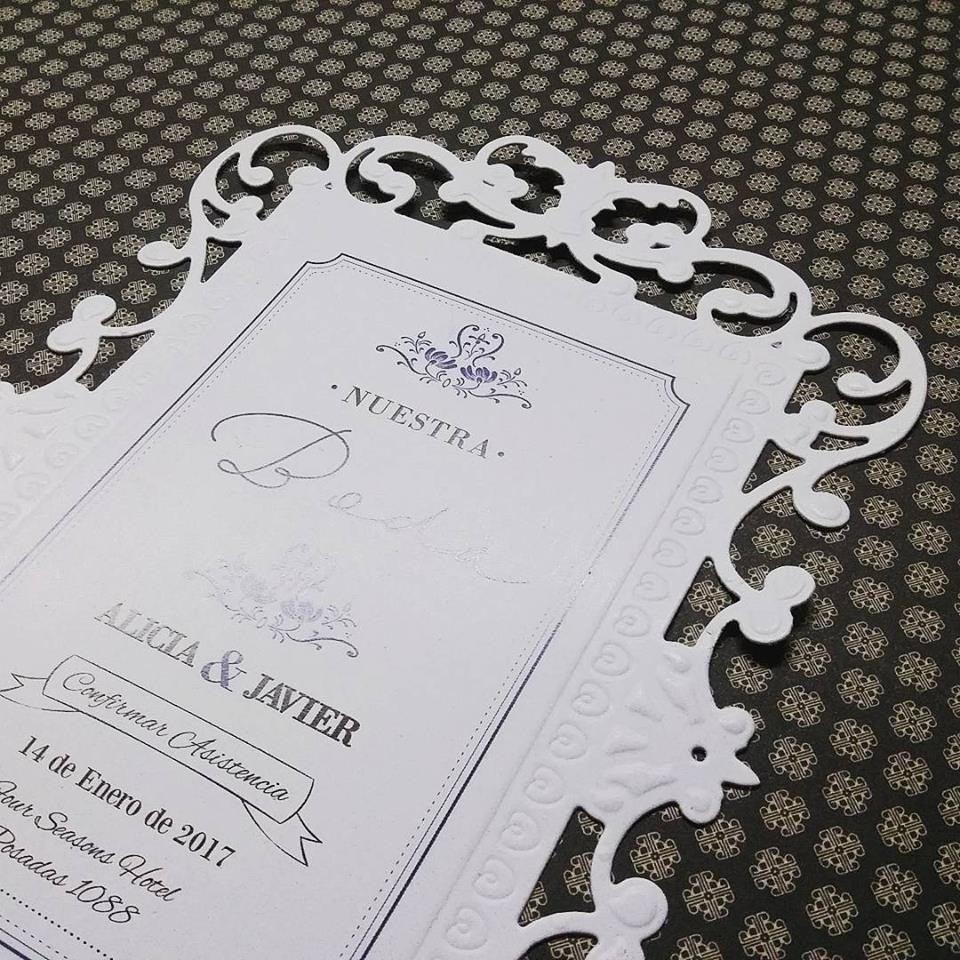 Tarjeta De Invitación Elegante Corte Láser
