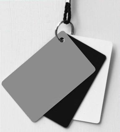 tarjeta gris neutro al 18% para balance de blancos