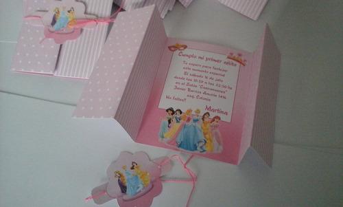 tarjetas de invitación plegable en cartulina princesas