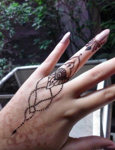 tatuajes temporales de henna