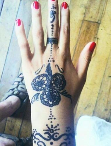 tatuajes temporales de henna a domicilio