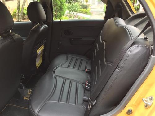 taxi chevrolet modelo 2010 papeles al día, listo para traspa