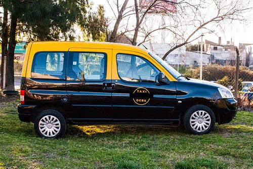 taxi citroen berlingo camioneta gran capacidad de carga
