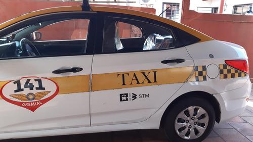 taxi hyundai accent 2015