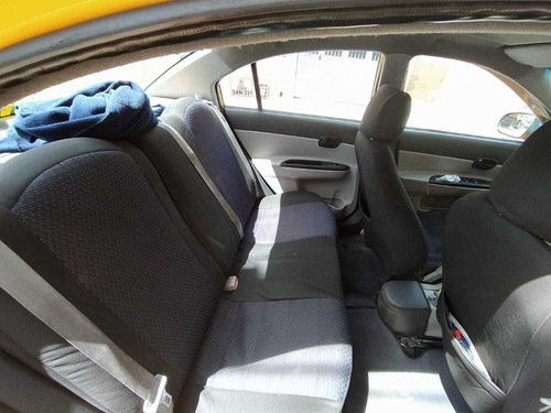 taxi hyundai vision 2011