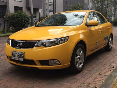 taxi kia cerato lx como nuevo