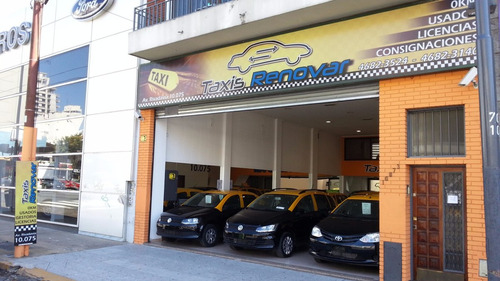 taxi renault logan 1.6 2010 gnc impecable taxis licencias