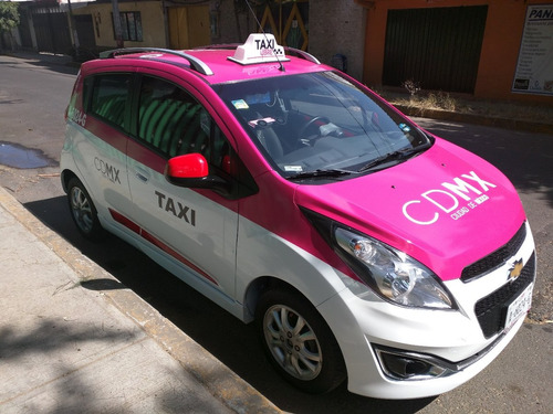 taxi  spark 1.2 ltz,  rinde 19 kilómetros por litro $179,000