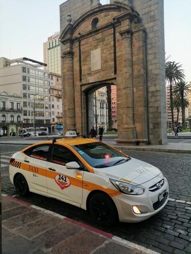 taxi vendo trabajando y al dia