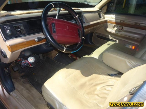 taxis ford gran marquis