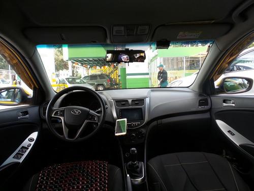 taxis hyundai 1600 mt