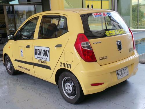 taxis hyundai  i10