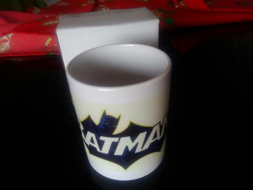 taza brilla en la oscuridad de batman