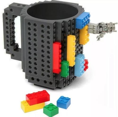taza build-on con diseño de blocks de construccion coleccion