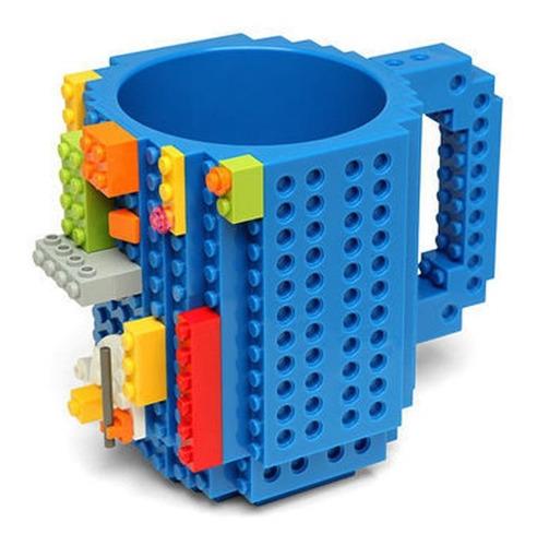 taza build-on con diseño de bloques de construccion colores