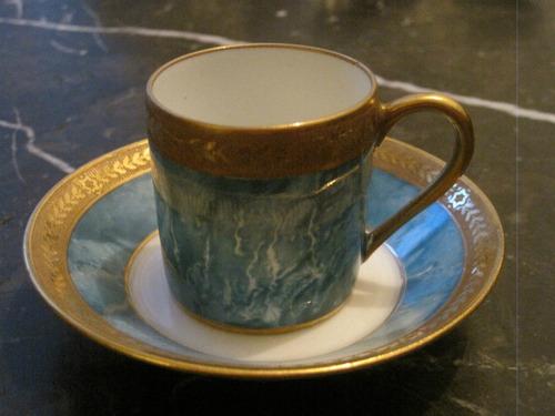 taza de café limoges firmada con detalles en oro