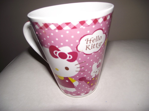 taza de ceramica de  princesas y de hello kitty !