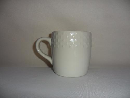 taza emboss loza capacidad 300 mls color blanco