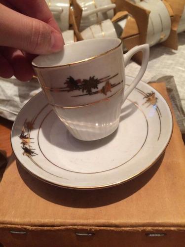 tazasde porcelana china , con se de cafe