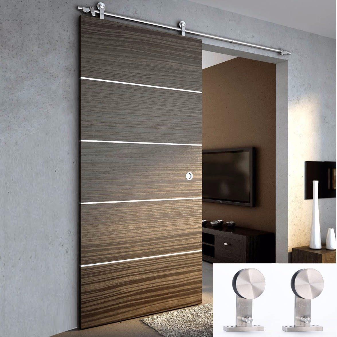 Puertas corredera de madera elegant habitacin en el stano for Puerta corrediza de madera