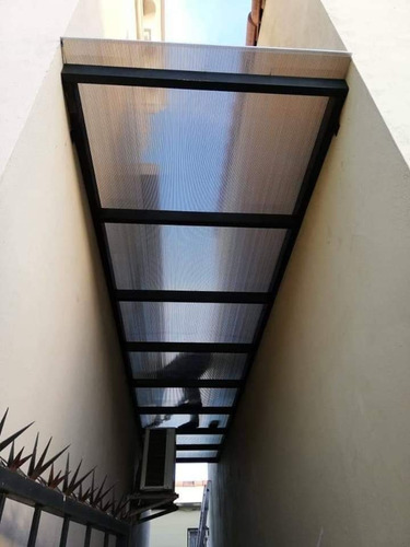 techos modernos portones protectores y picos de seguridad