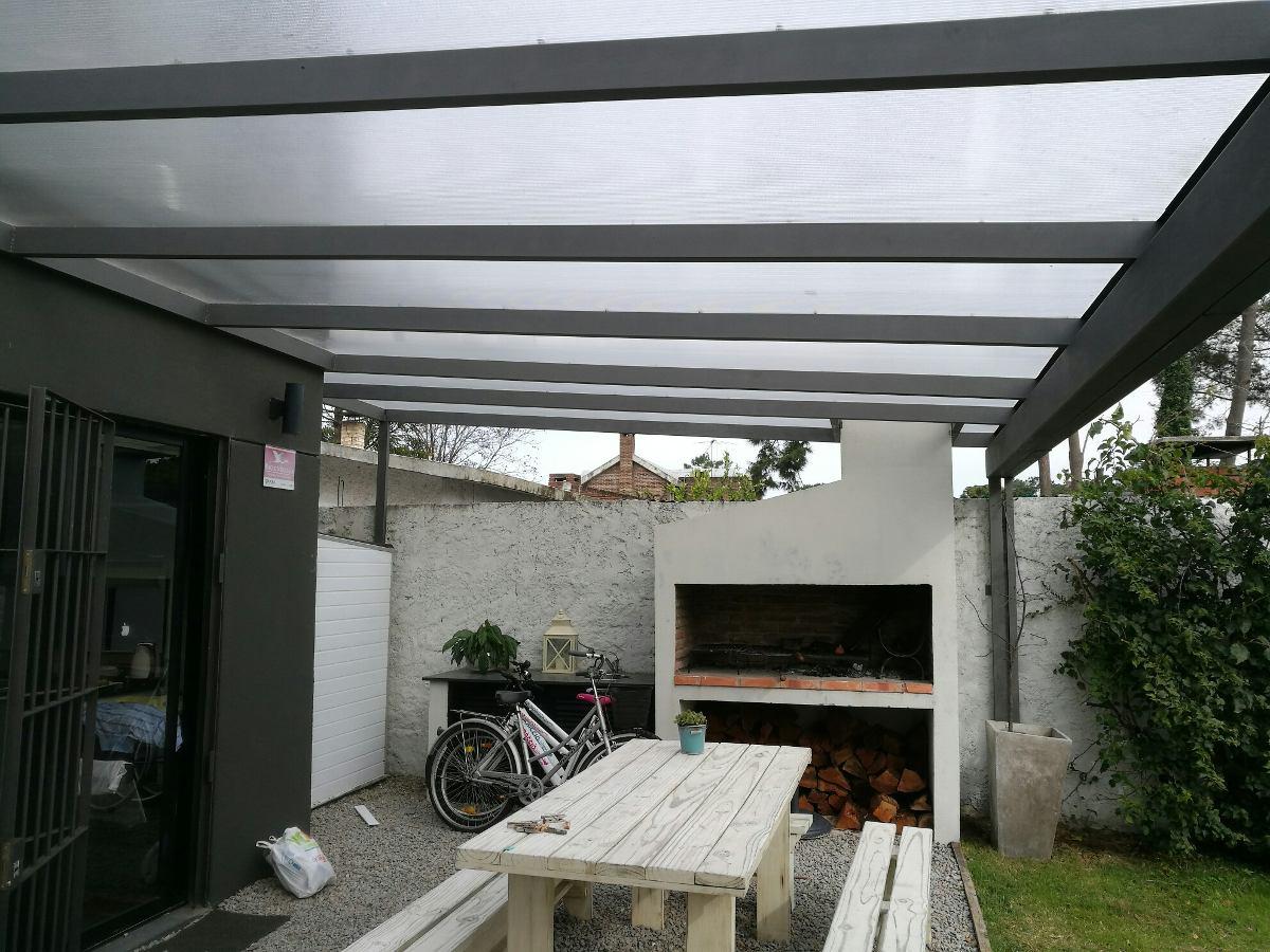 Techos y pergolas en hierro madera y policarbonato 1 for Rieles para toldos de techo