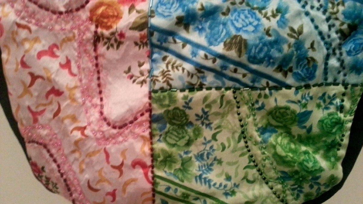 Bolsa De Tecido Com Alça De Bambu : Bolsa em tecido de seda com al?a madeira tamanho m?dio