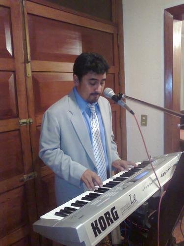 tecladista cantante