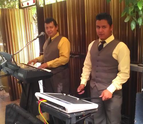 tecladista cantante, dueto profesional bueno muy economico