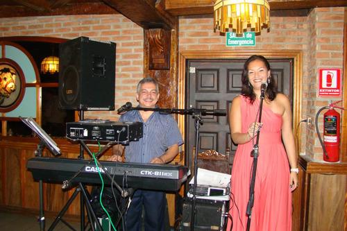 tecladista cantante románticas italianas - bailables y más