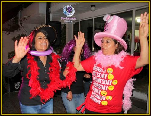 tecladista cantante versátil para fiestas, dueto, karaoke