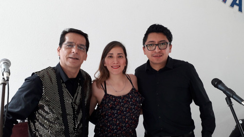 tecladista, dueto ó trío versátil, bodas xv años, 1ra comun.