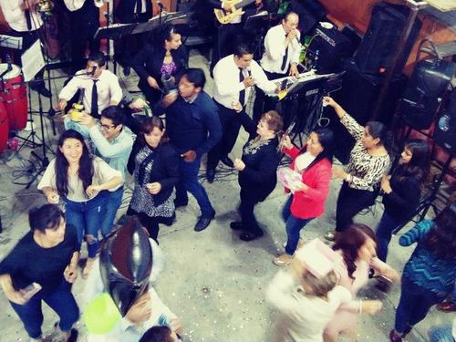 tecladista grupo sonora orquesta versatil de puebla